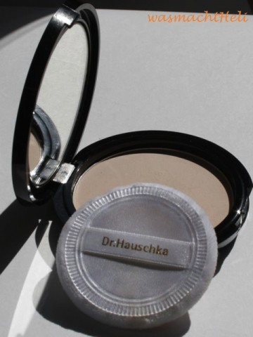 Review: Dr Hauschka Translucent Face Powder Compact