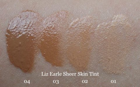 Swatches daylight Liz Earle Sheer Skin Tint