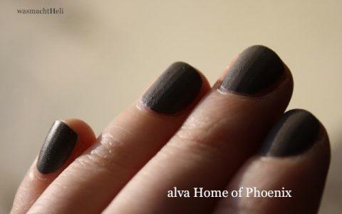 alva Home of Phoenix auf den Nägeln