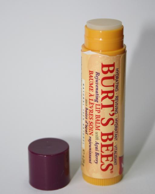 Burt's Bees Lip Balm Acai Berry - Review