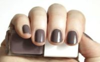 UNE Nail Colour C01 + C23 – Swatches