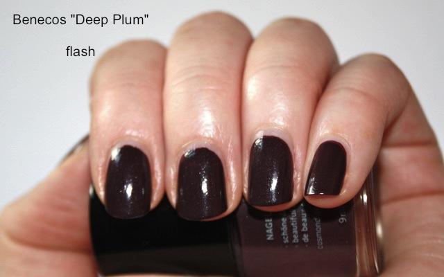 Benecos Deep Plum Nagellack - Review + Swatch Flashlight