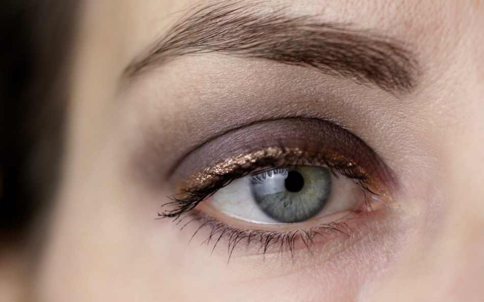 Eye Makeup with Kjaer Weis Pretty Purple