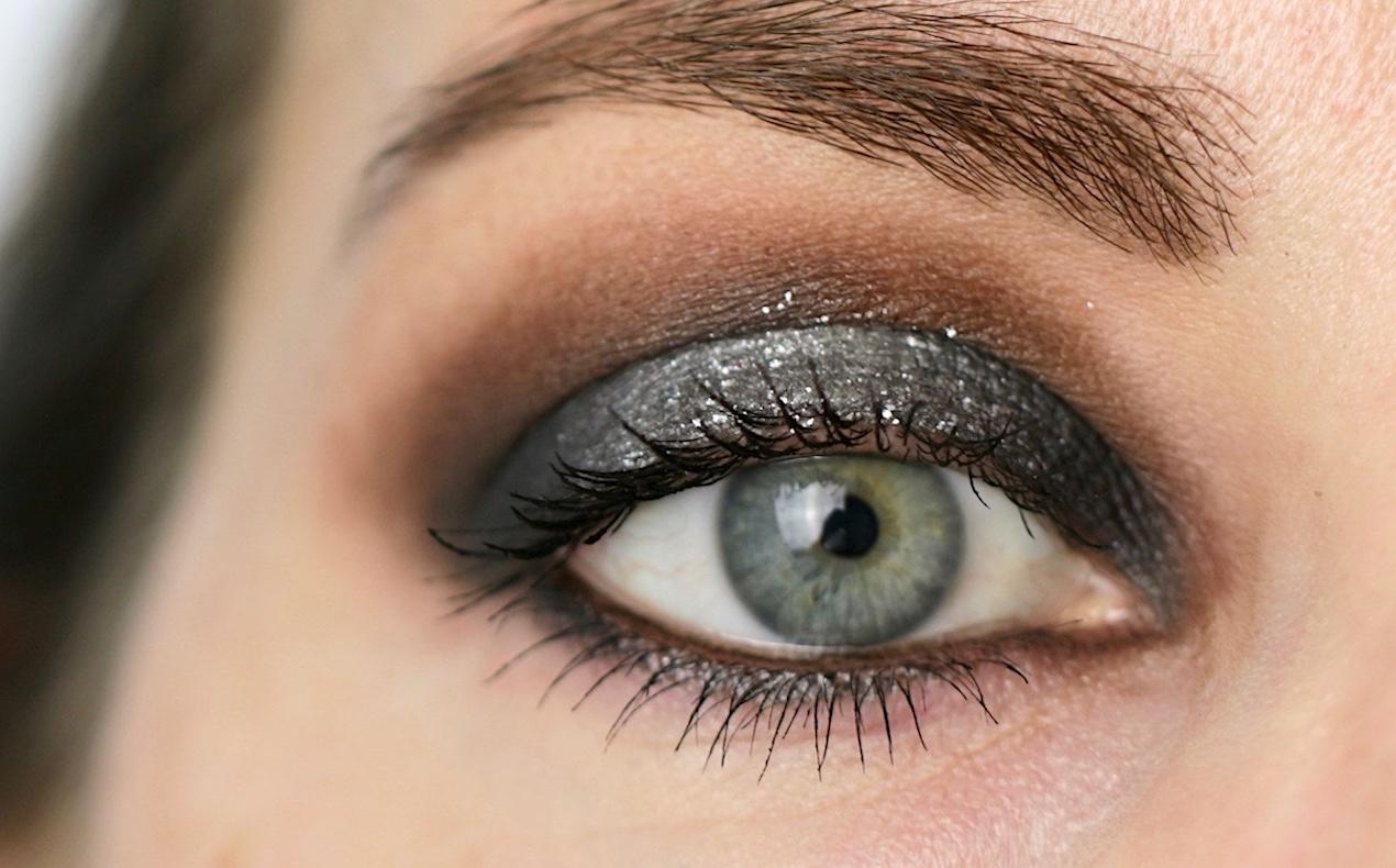 Silver Halo Smokey Eye as seen on Sabina Hannan