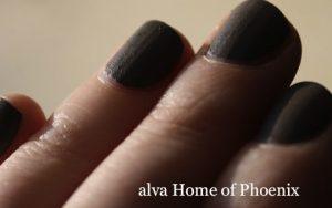 selbstgemischter Nagellack mit Alva Pigment Home of Phoenix