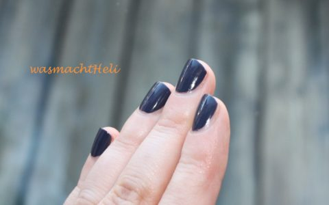 P2 Nagellack 541 night out Swatch