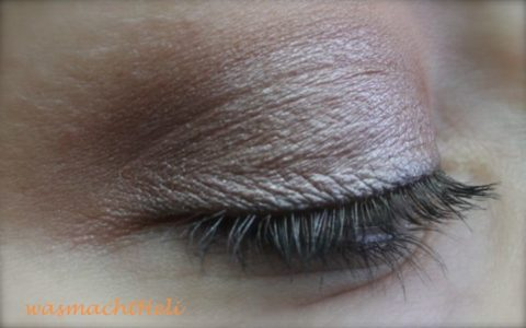 Augenmakeup mit Lily Lolo smokey brown Tageslicht