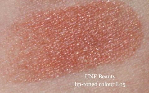 Swatch UNE lip toned colour L05