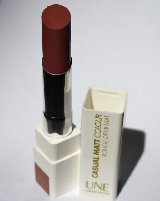 UNE Casual Matt Colour Lipstick M11