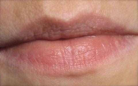 Foto Lippen ohne Lippenstift