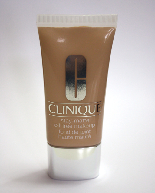 Review: Clinique Stay Matte Oil-Free Makeup alabaster