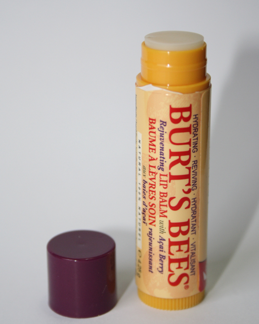 Burt's Bees Lip Balm Acai Berry - Review