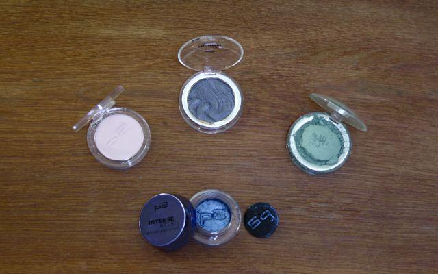 "P2 ultra matte ""green travel bag"", color up ""tarte delight"", high chrome ""steel chrome"", intense artist pigment ""blue art deco"""
