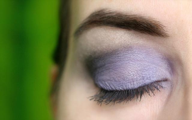 Augenmakeup und Review: Lavera Mineral Eyeshadow - 04 Majestic Violet