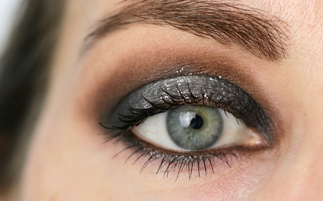 Silver Halo Smokey Eye as seen on Sabina Hannan