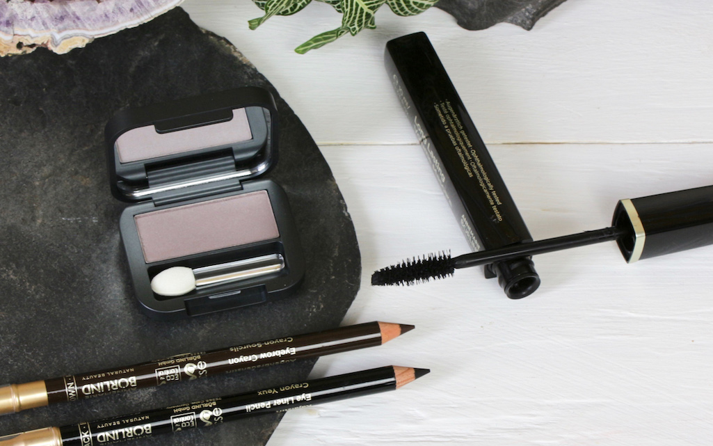 "Facettenreich und immer chic: Annemarie Börlind ""stone"", Kajal ""black"", Augenbrauenstift ""brown"", Long Lasting Volume Mascara ""black"""
